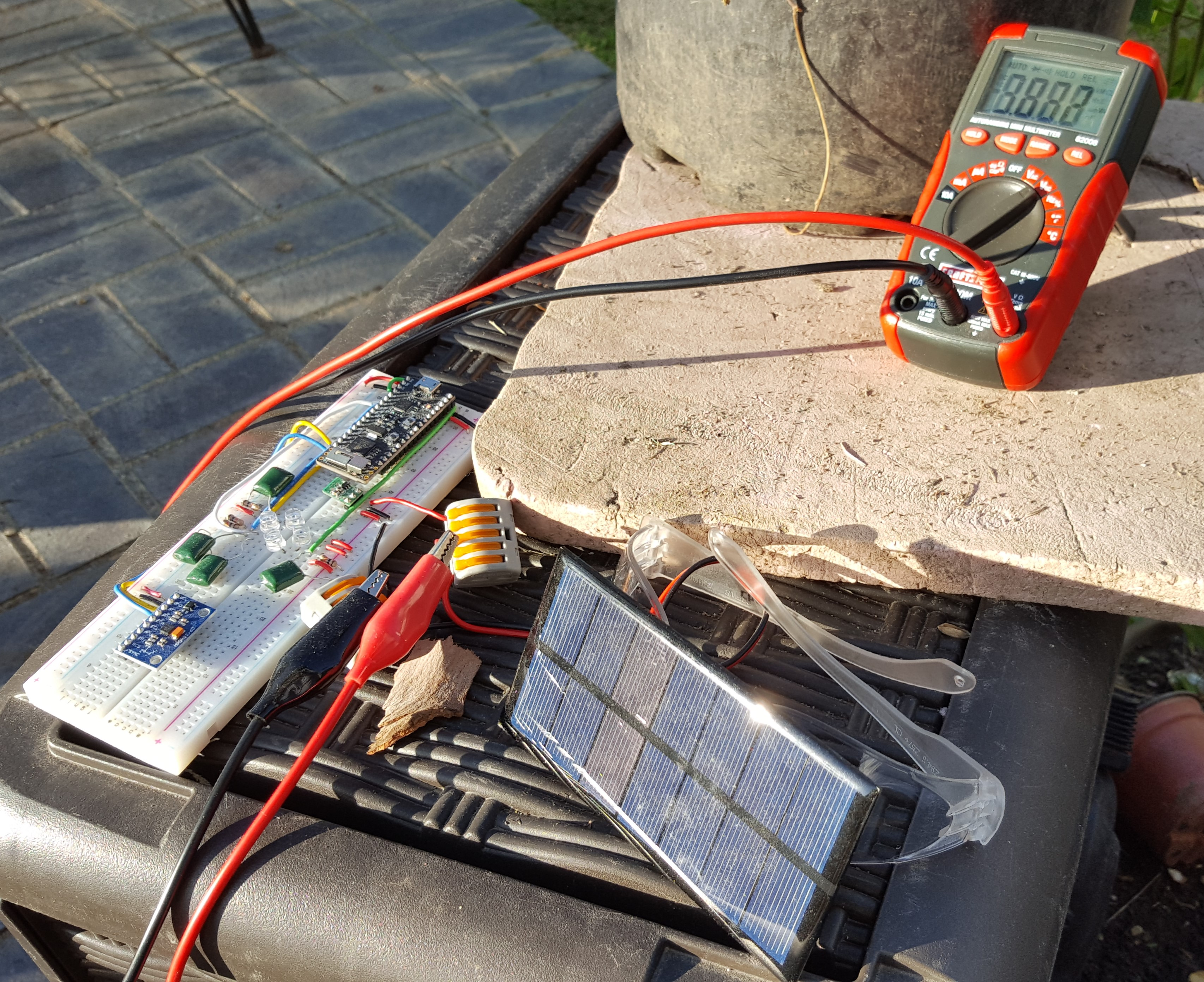 3.8V output from solar panel pointed to sun.jpg
